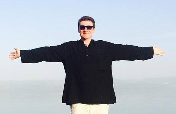 Запретить голые пупки и декольте предложил тюменский депутат