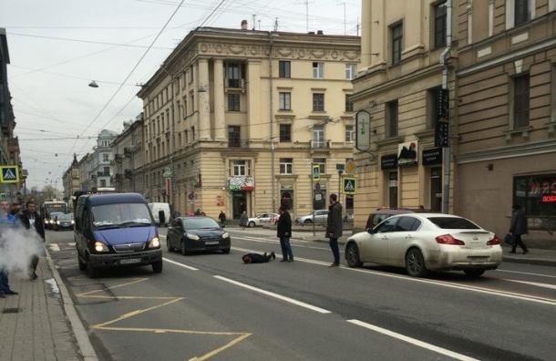 Очевидцы: На Суворовском сбили девушку