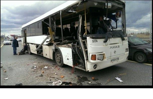 Восемь человек пострадали в ДТП с автобусом на Мурманском шоссе