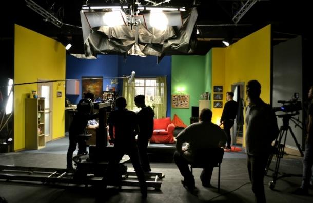 Петербуржцам покажут киностудию, где снимали новый ролик Юлии Топольницкой