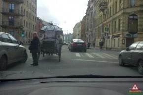 Ford влетел в карету на Миллионной улице в Петербурге