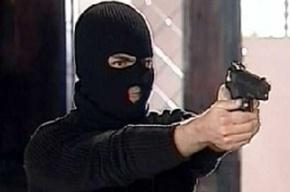 Аптеку на Среднеохтинском «обчистили» на пять тысяч двое в масках