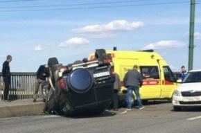 Иномарка столкнулась со скорой во Фрунзенском районе