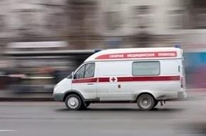 Петербургского врача ударили битой за отсутствие бахил