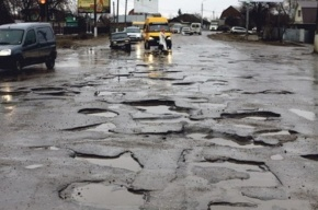 Больше 4 тысяч квадратных метров автодорог отремонтировали в Омске за сутки
