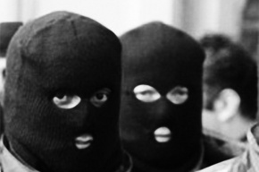 Налетчики в масках ограбили ювелирный магазин на Энгельса