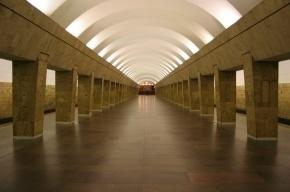 Станцию «Выборгская» закрыли на вход и выход