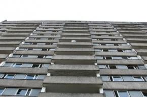 Молдаванин сбросился с 7-го этажа на Морис Тореза