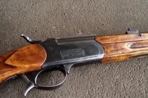 Молодой мужчина застрелился из ружья в квартире на Ленинском проспекте