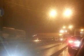 Фура перегораживала Приморское шоссе в сторону Сестрорецка