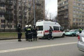 Медики спасли пешехода, сбитого на Искровском проспекте