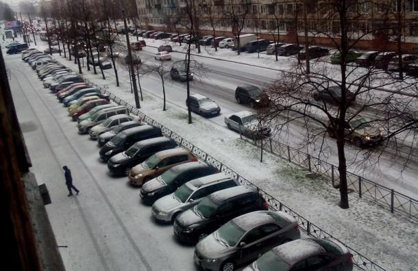 Град обрушился на Петербург