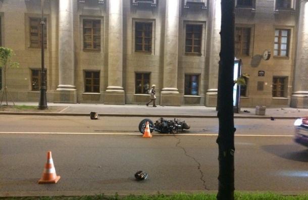Смертельная авария с мотоциклистом произошла на набережной Макарова