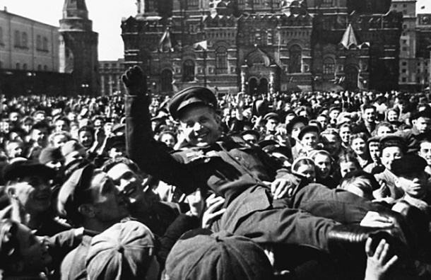 Россия отмечает 71-ю годовщину победы над Германией