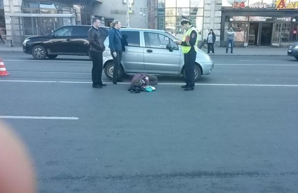 Очевидцы: Женщину сбили около метро «Звездная»