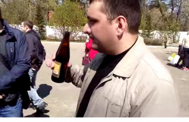 Медики избили программиста, который снимал на видео их пьянку