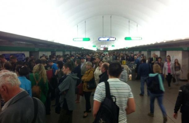 Поезда встали на зеленой ветке