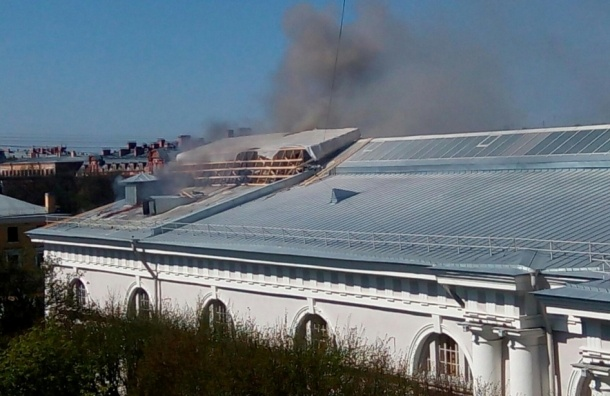 Пожар на Конногвардейском манеже мог произойти из-за нарушений при реконструкции