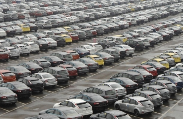Продажи автомобилей в Петербурге в I квартале упали на 5%