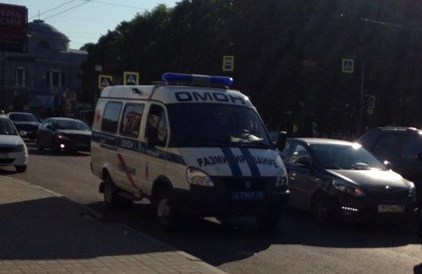 Полиция перекрыла Пушкинскую, станция не работает