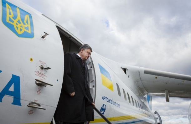 Порошенко вылетел в Ростов для обмена Савченко на бойцов ГРУ