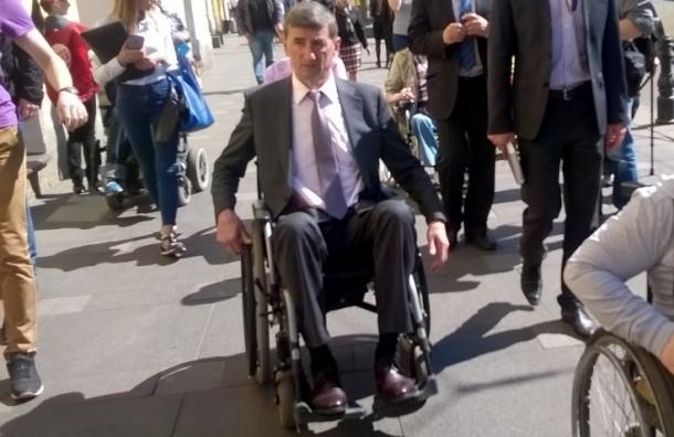 Глава КРТИ не смог въехать на пандус Стокмана