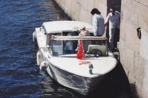 1 июня ребят из детдомов бесплатно покатают по рекам и каналам Петербурга
