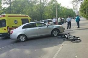 Велосипедист попал под колеса иномарки на Подводника Кузьмина