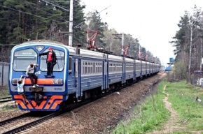 Четырех зацеперов сняли с электричек под Петербургом