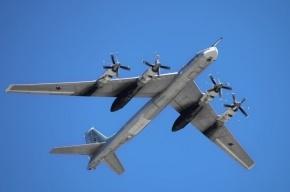 Неизвестный четырехвинтовой самолет приблизился к пассажирскому рейсу в Японском море