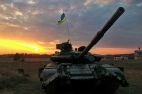 Украинские танки стянули к границе Крыма