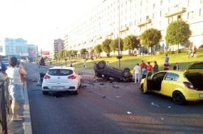Более четырех машин столкнулось на Свердловской набережной