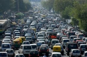 Пробки на въезд в Петербург начинаются за 100 км до города