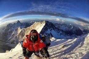 Четвертый подряд альпинист погиб на Эвересте за минувшие дни, еще двое пропали