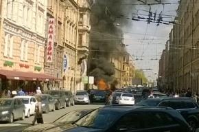 Три машины сгорели на перекрестке Невского и Бакунина