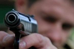 Трое грабителей напали на квартиру петербурженки ради 5 тысяч рублей