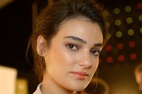 «Мисс Турция - 2006» получила условный срок за оскорбление Эрдогана