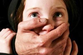 Отчима подозревают в изнасиловании своей приемной дочери