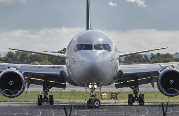 Пассажир упал в обморок в самолете Москва-Екатеринбург