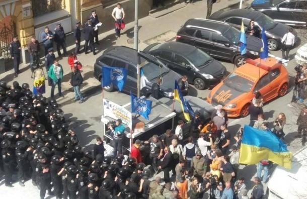 Массовые беспорядки произошли во Львове, националисты штурмовали администрацию