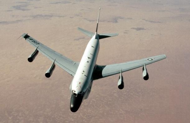 Китай назвал перехват американского самолета попыткой США возобновить слежку