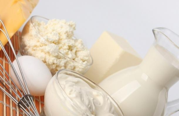 Россельхознадзор: в молоко подмешивают гипс, известь и мел