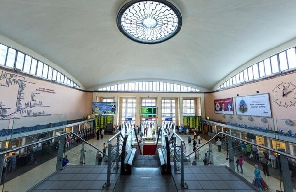 Зал Финляндского вокзала эвакуировали из-за подозрительной сумки