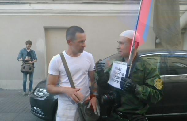 Народный сход против моста Кадырова собирается в центре Петербурга