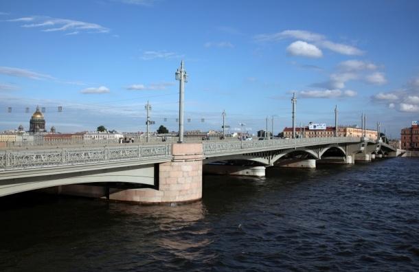 Благовещенский мост будут разводить днем в первое воскресенье июля