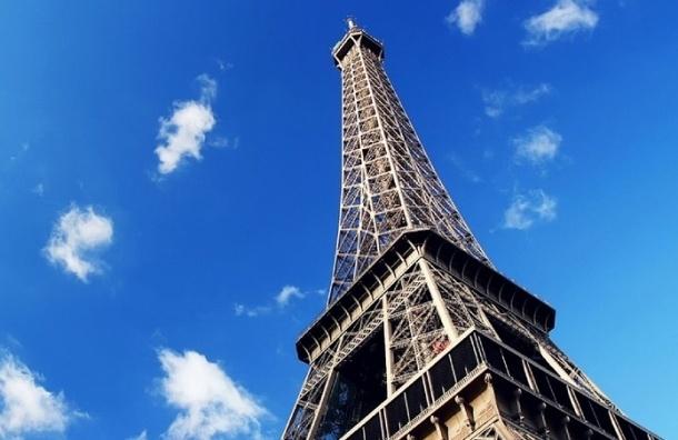 Эйфелеву башню закрыли для туристов