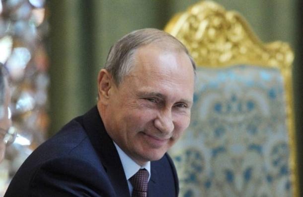 СМИ: самолет А 321 не смог приземлиться в Петербурге из-за визита Путина