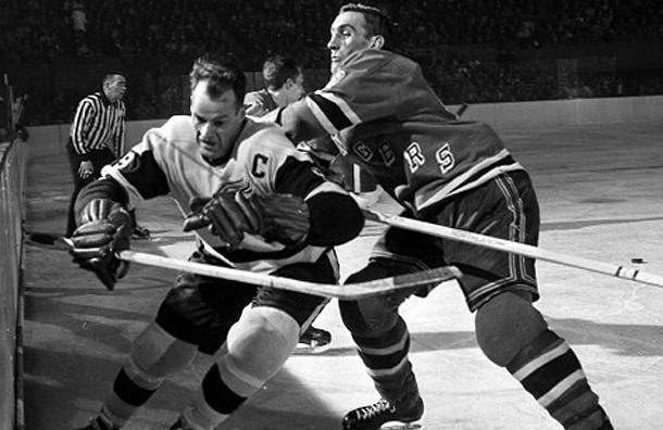 Известный канадский хоккеист Горди Хоу умер на 89-м году жизни