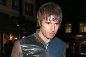 Экс-вокалист Oasis извинился за сравнения российских фанатов с геями