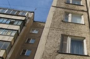 Ребенок после падения с второго этажа попал в больницу с переломом позвонков